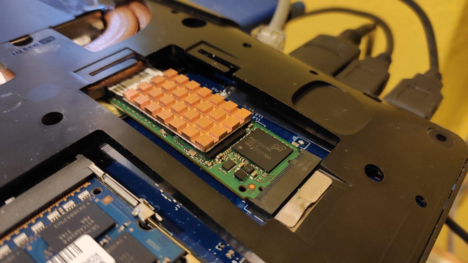 SSD heatsink